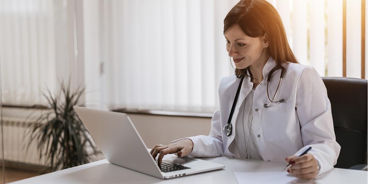 Por que a prescrição digital veio para ficar em clínicas médicas?   MedPlus